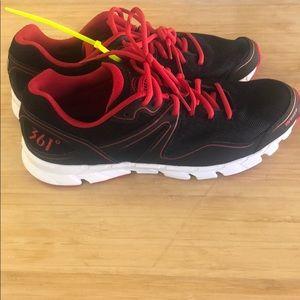361 degree Breeze men's athletic shoes size 8.5